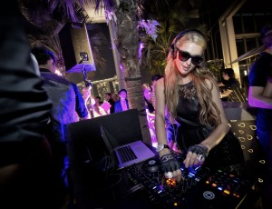 Exclusive PARIS HILTON DJ SET | PA bookings with FridayFlava